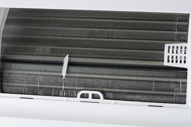 HITACHI:日立のルームエアコン、白くまくん「RAS-AJ22D」2014年製-10
