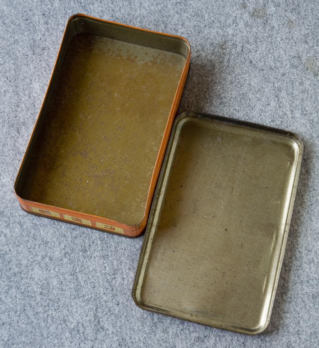 アンティークなglico:グリコの「2代目ビスコ坊や」の箱型ブリキ空缶-05
