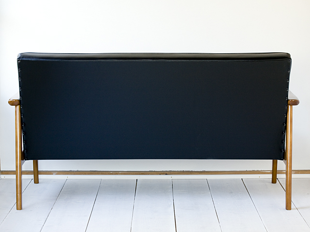 Karimoku:カリモク60「Kチェア2シーター」スタンダードブラック-04