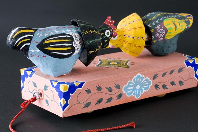 琉球郷土玩具、古倉保文作「張子の鶏二羽」-05