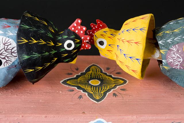 琉球郷土玩具、古倉保文作「張子の鶏二羽」-07