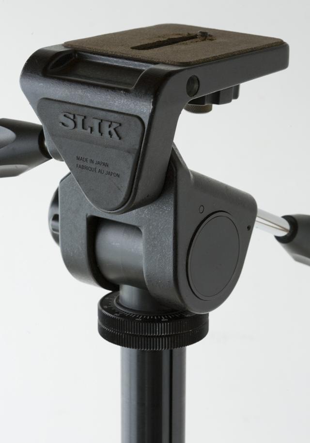 SLIK:スリックのプロ用大型三脚、「THE PROFESSIONAL SP」-09