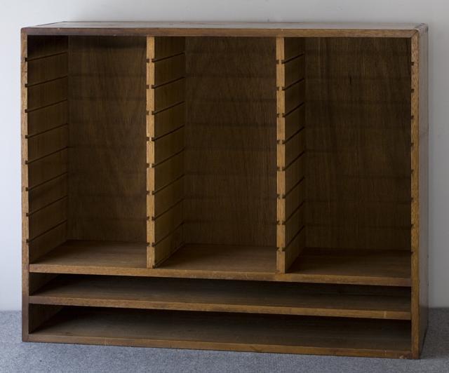 アンティークな古い木製レターケース-04