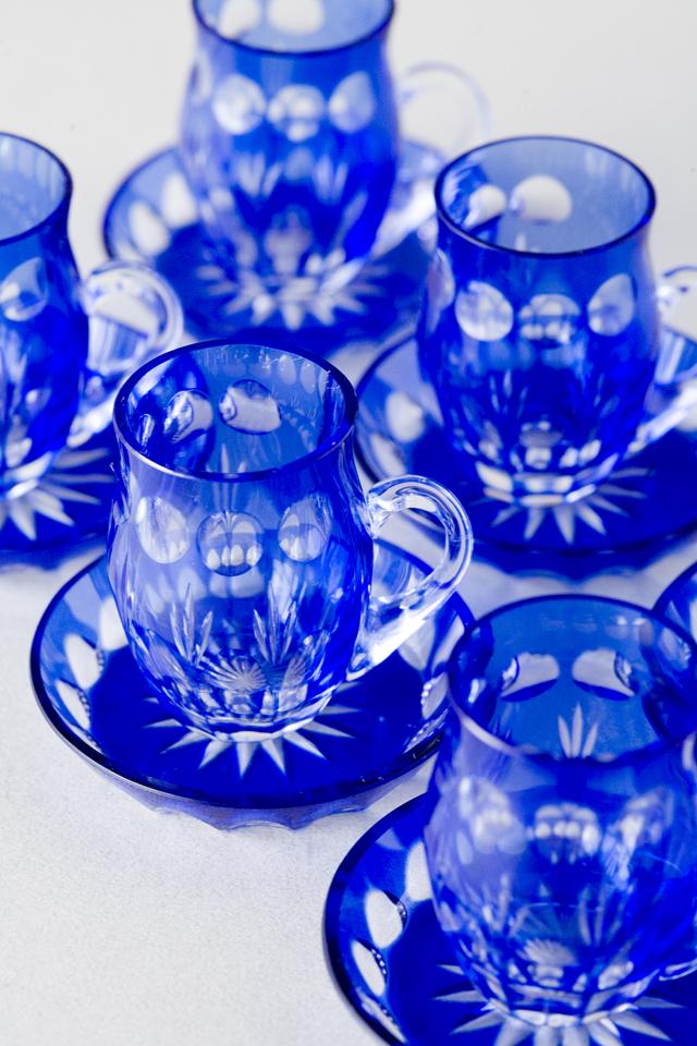 青色被切子硝子のミニチュアカップ&ソーサー6客セット-02