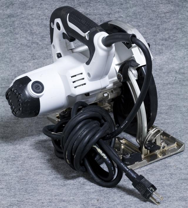 makita:マキタの165mm電子マルノコ「5732C」-04