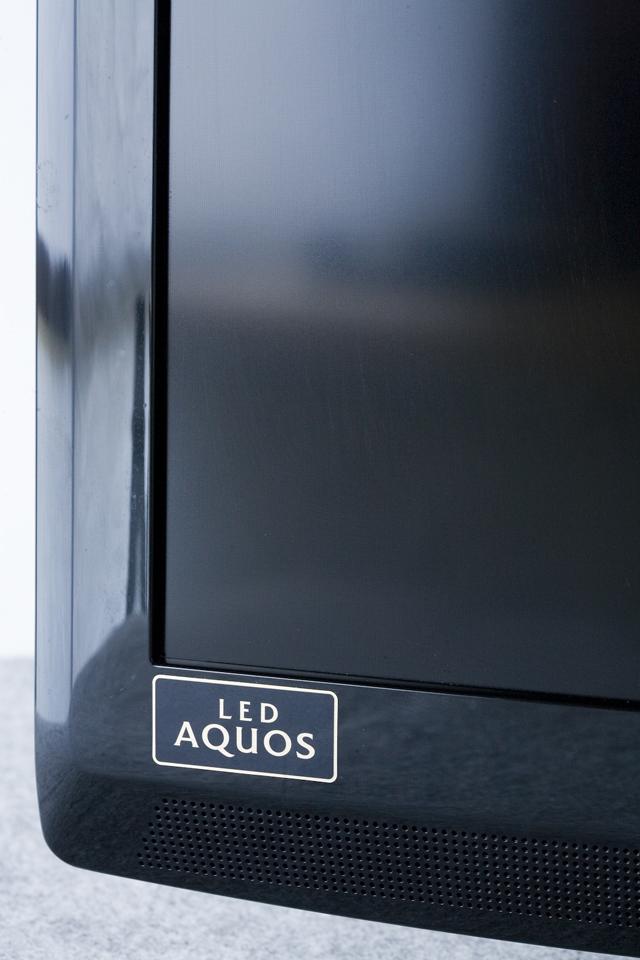 SHARP:シャープの32V型ワイド液晶テレビ:TV、LED AQUOS:アクオス「LC-32V7」-05