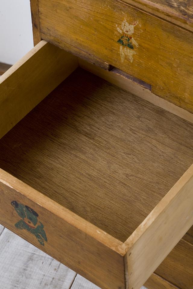 アンティークな古い木製チェスト-11