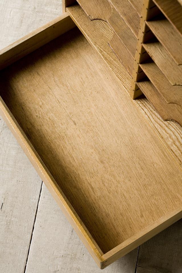 アンティークな古い木製レターケース・カルテ入れ・書類棚・小引出-07
