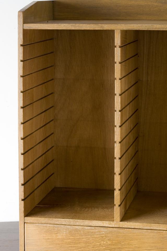 アンティークな古い木製レターケース・カルテ入れ・書類棚・小引出-08