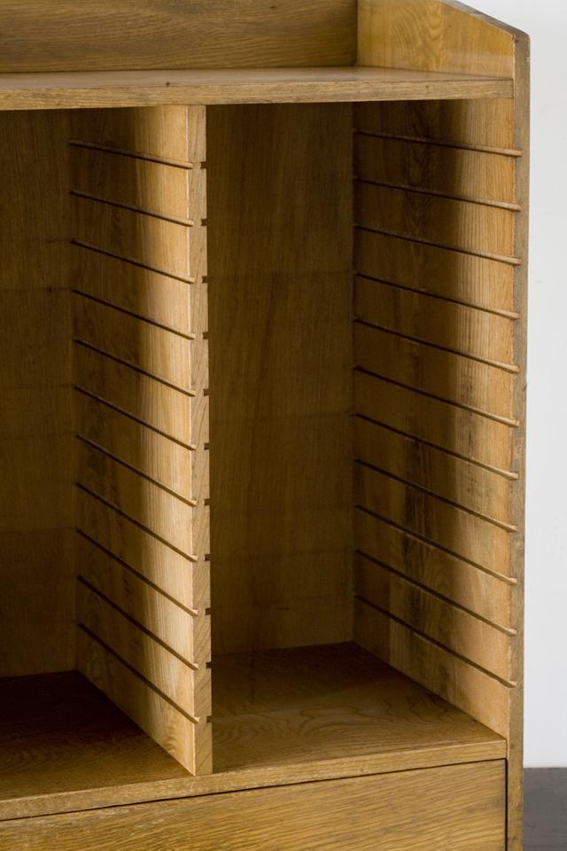 アンティークな古い木製レターケース・カルテ入れ・書類棚・小引出-09