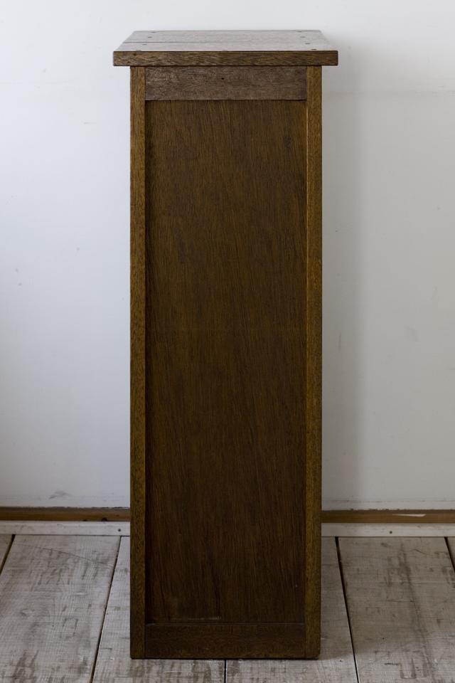 アンティークな古い収納式作業台付スリム木製チェスト-04