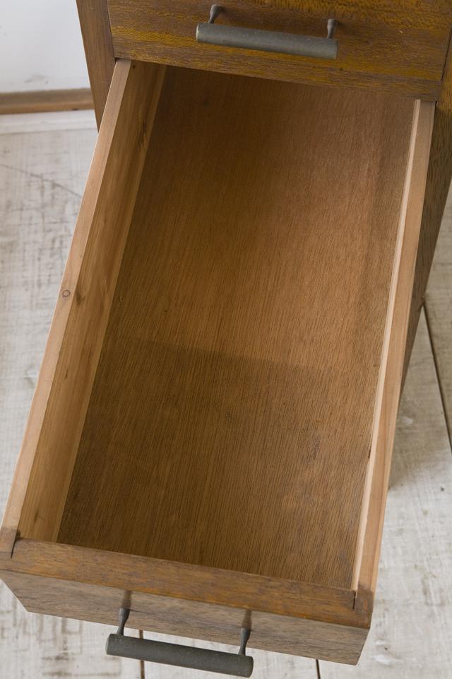 アンティークな古い収納式作業台付スリム木製チェスト-13