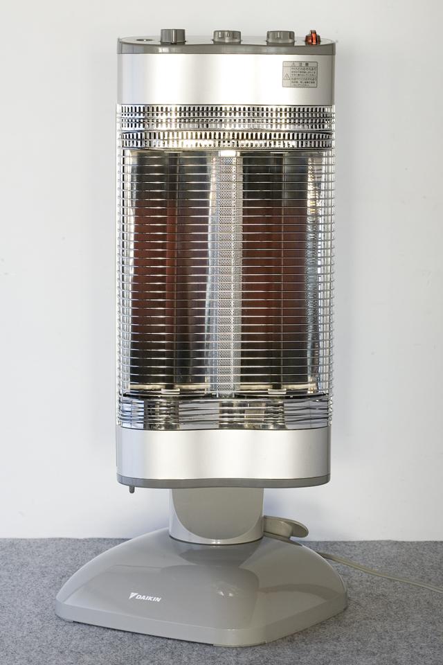 DAIKIN:ダイキンの遠赤外線暖房機「セラムヒート:ERFT11NS」-01