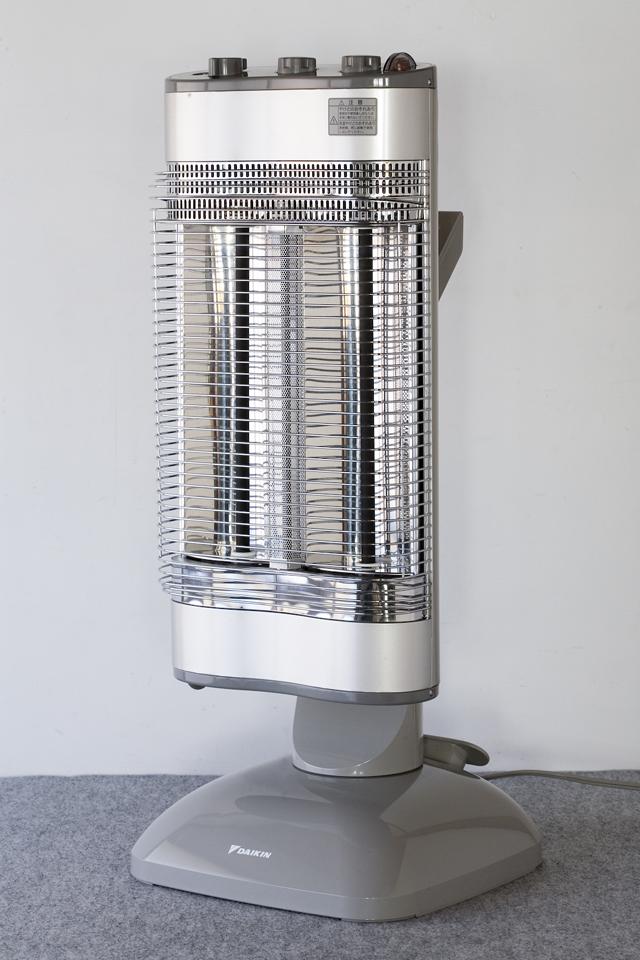 DAIKIN:ダイキンの遠赤外線暖房機「セラムヒート:ERFT11NS」-02