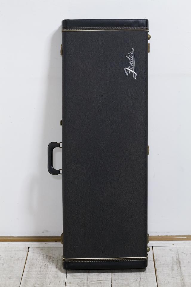 Fender:フェンダーのギター用ハードケース-01