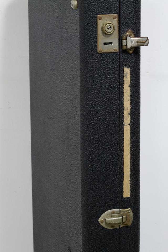 Fender:フェンダーのギター用ハードケース-12