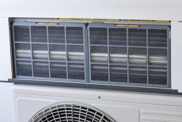 HITACHI:日立のルームエアコン、ステンレスクリーン・白くまくん「RAS-V25B」2013年製-09