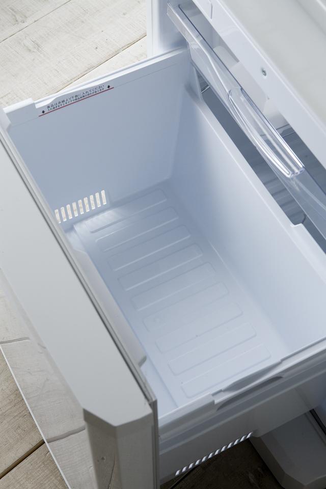 MITSUBISHI:三菱のノンフロン冷凍冷蔵庫「MR-C34X」-15