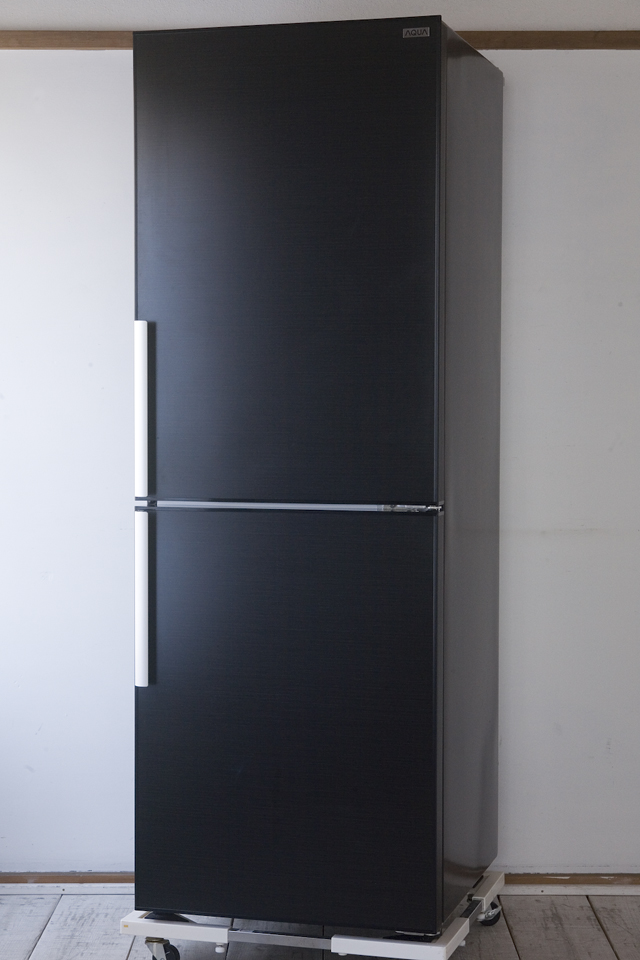 AQUA:アクアの2ドア冷蔵庫「AQR-SD27A」-01