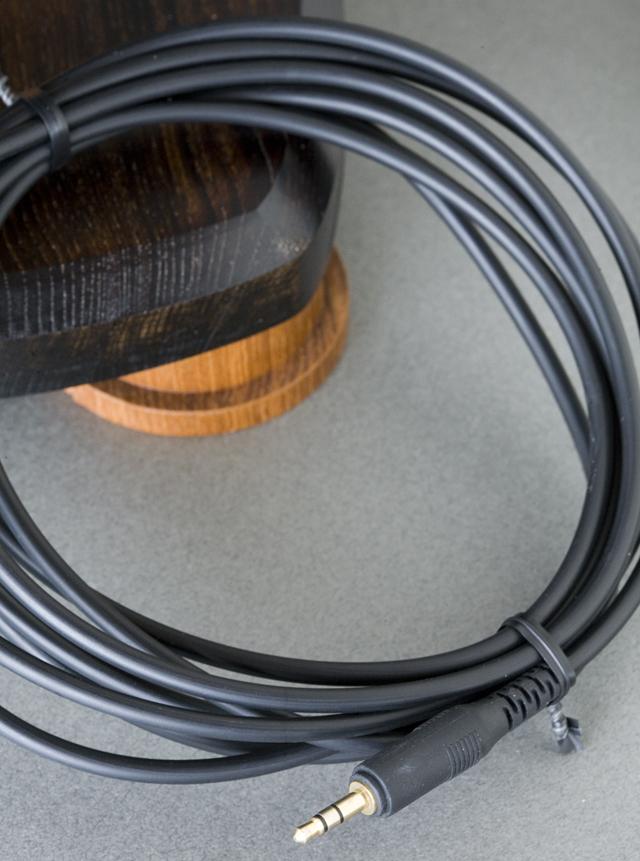 audio-technica:オーディオテクニカのエアーダイナミックヘッドホン「ATH-AD700X」-07