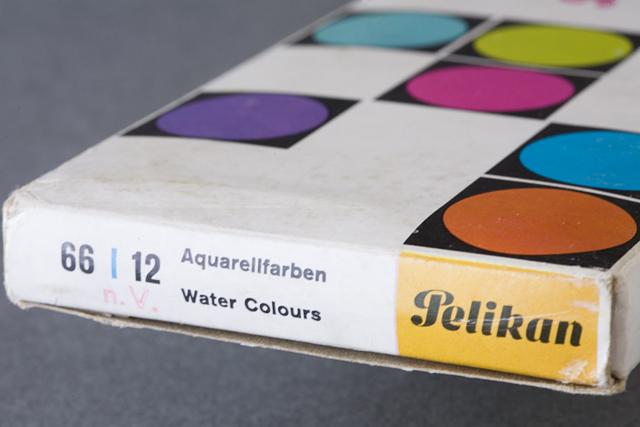 Pelikan:ペリカンのドイツ製「固形水彩絵の具12色セット」-03
