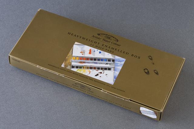 WINSOR&NEWTON:ウィンザー&ニュートンの「ARTISTS' WATER COLORS:固形水彩絵の具24色セット」-01