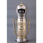 スコッチウイスキー、「BIG T」の英国騎士甲冑ボトルケース