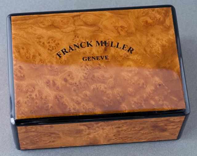 「FRANCK MULLER:フランクミュラー」の腕時計用ケース-02