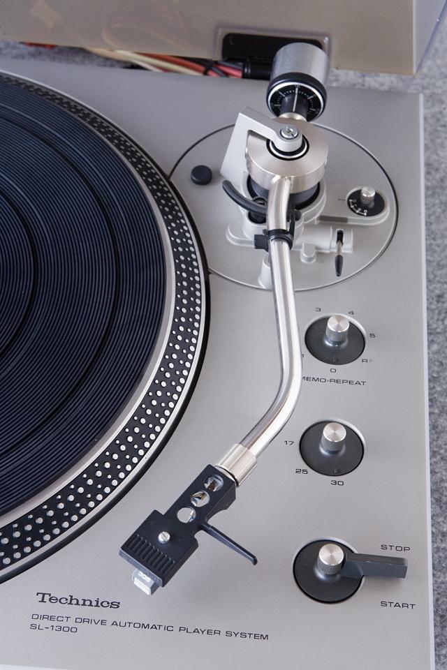 Technics:テクニクスのターンテーブル・レコードプレーヤー「SL-1300」-04