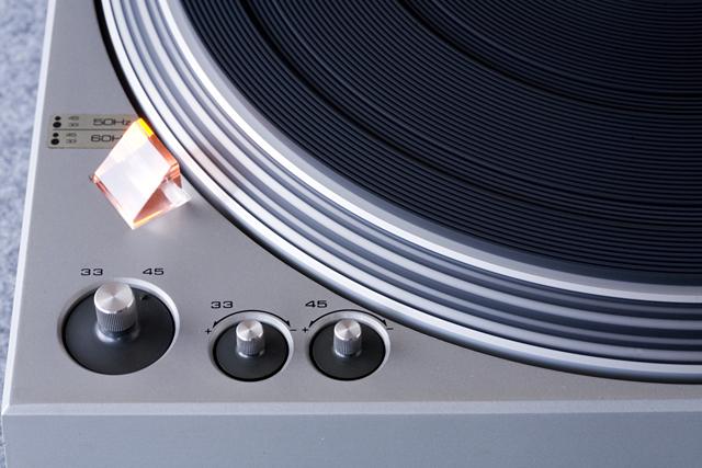 Technics:テクニクスのターンテーブル・レコードプレーヤー「SL-1300」-08