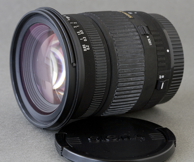 SIGMA:シグマのCanon:キャノンデジタル一眼レフカメラ用のAF交換ズームレンズ「17-70mm F2.8-4.5 DC MACRO」-02