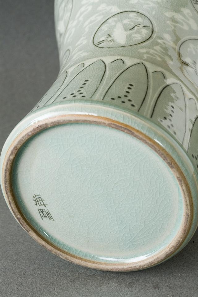 韓国人間文化財「柳海剛:ユ・ヘガン」の高麗青磁象嵌雲鶴文梅瓶-10