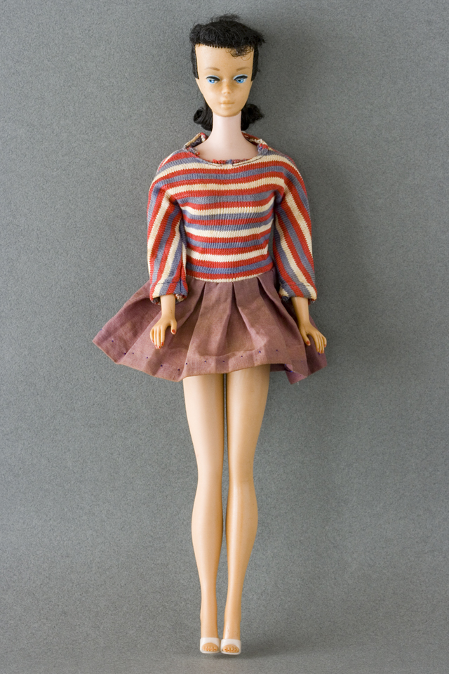 古いMATTEL:マテル社のBarbie:バービー人形-01