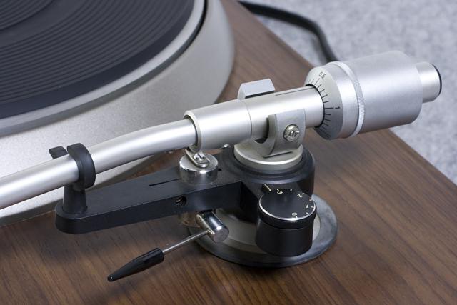 DENON:デノンのレコードプレーヤー「DP-1600」-10