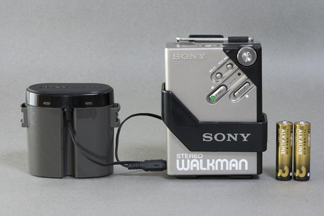 SONY:ソニーのカセットテープレコーダー「WALKMAN:ウォークマンⅡ|WM-2」-01