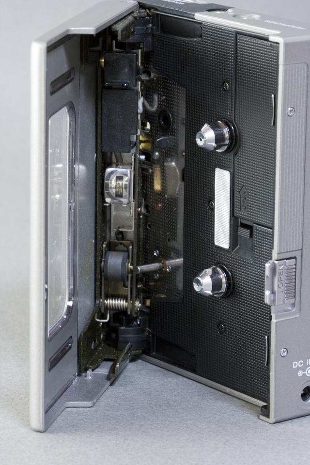 SONY:ソニーのカセットテープレコーダー「WALKMAN:ウォークマンⅡ|WM-2」-08