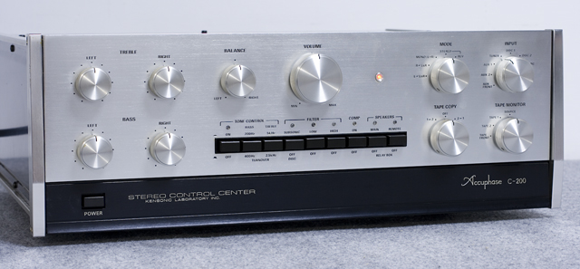 Accuphase:アキュフェーズのコントロールアンプ「C-200」-02