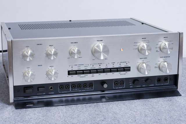 Accuphase:アキュフェーズのコントロールアンプ「C-200」-05