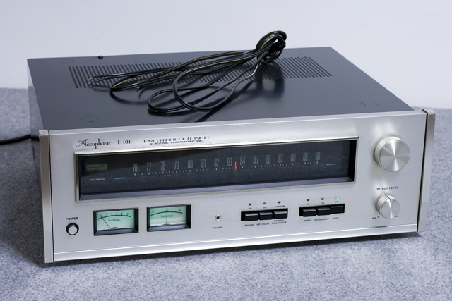 Accuphase:アキュフェーズのFMステレオチューナー「T-101」-01