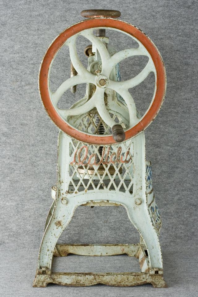 昭和レトロな古い手回しかき氷機「大一」-03