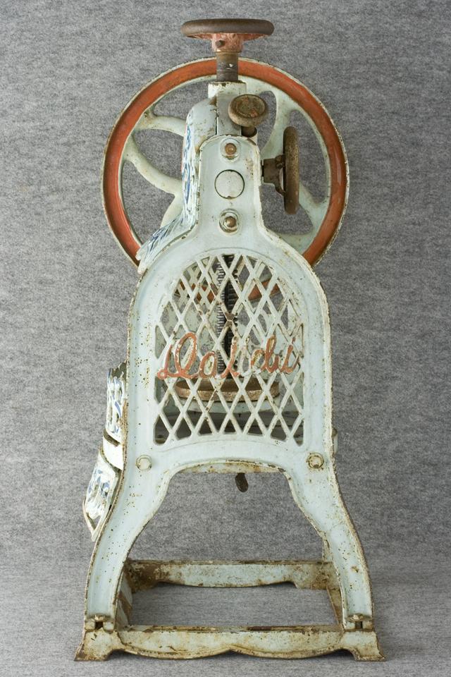 昭和レトロな古い手回しかき氷機「大一」-05