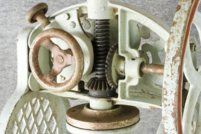 昭和レトロな古い手回しかき氷機「大一」-07