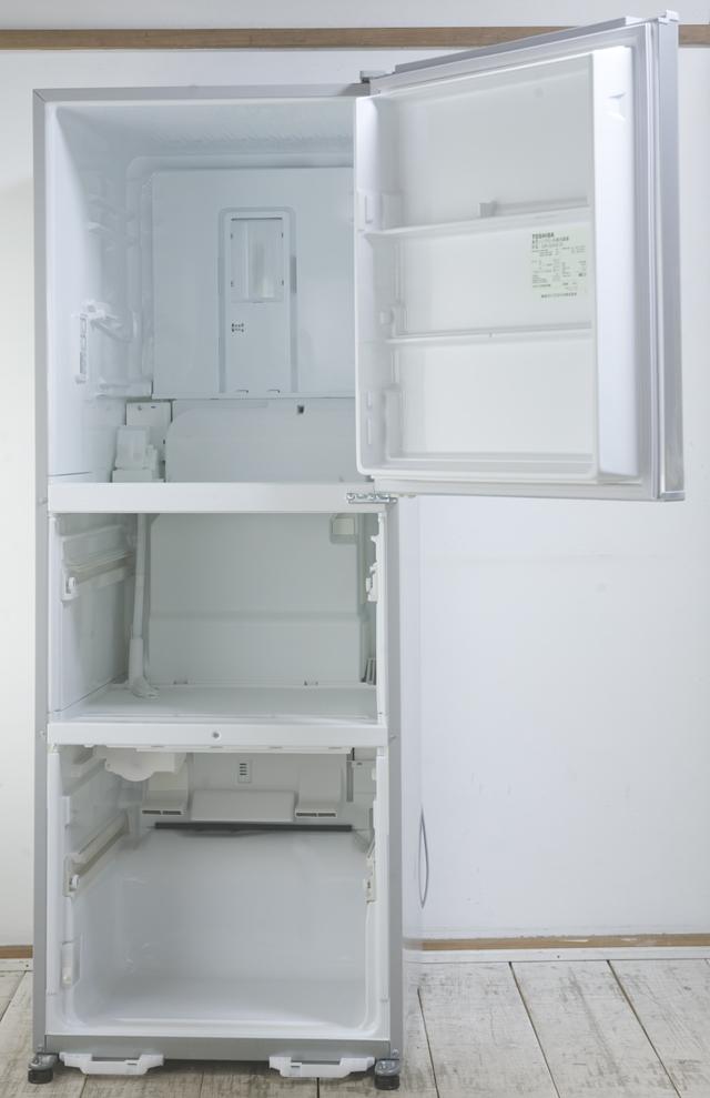 TOSHIBA:東芝の3ドア冷蔵庫「GR-G34S」-05