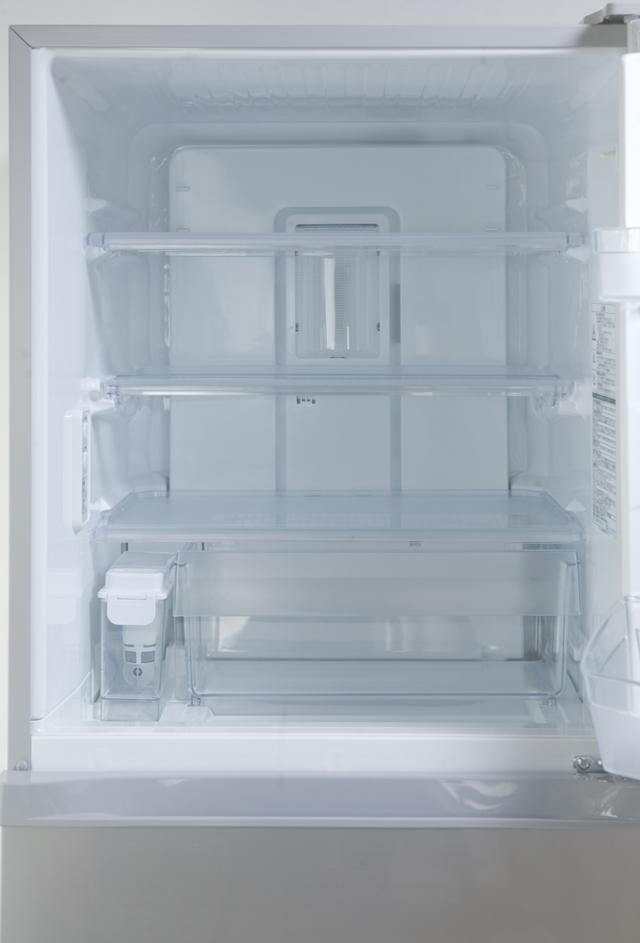 TOSHIBA:東芝の3ドア冷蔵庫「GR-G34S」-10