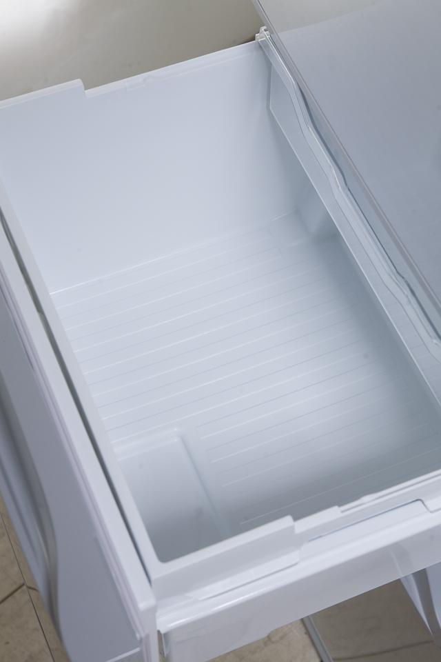 TOSHIBA:東芝の3ドア冷蔵庫「GR-G34S」-13