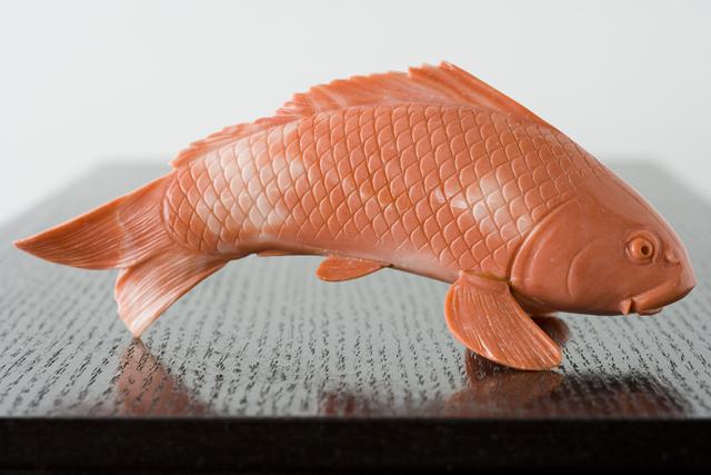 珊瑚の鯉の置物-15