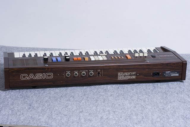 CASIO:カシオのキーボード「Casiotone 403」-02