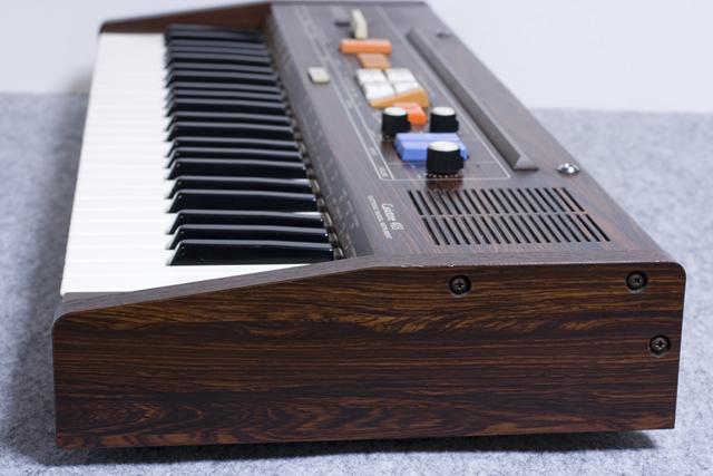 CASIO:カシオのキーボード「Casiotone 403」-05