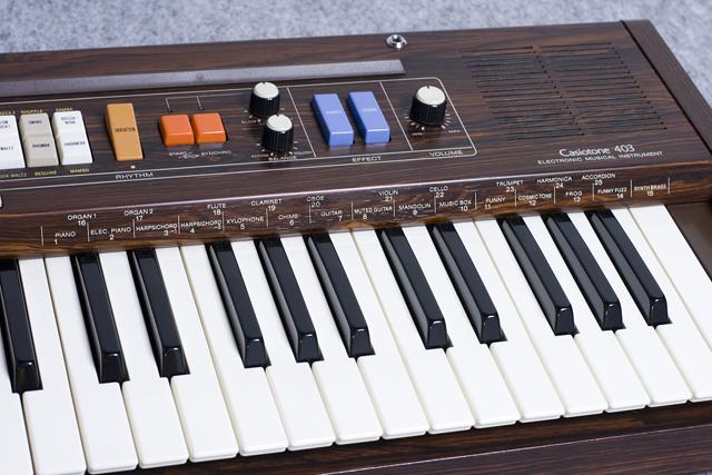 CASIO:カシオのキーボード「Casiotone 403」-13