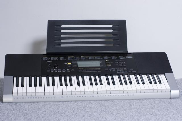 CASIO:カシオのベーシックキーボード「CTK-4400」-01
